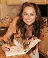 See_More_Pictures_of_Giada_DeLaurentiis_at_GiadaDeLaurentis_Net_385.jpg